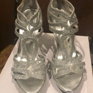 Unlisted Kenneth Cole Silver Flower Hour heels